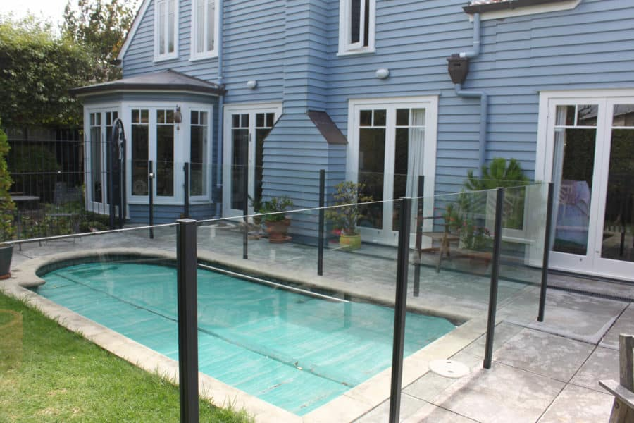 This Marion client opted for our semi frameless glass pool fence with powder coated aluminium posts