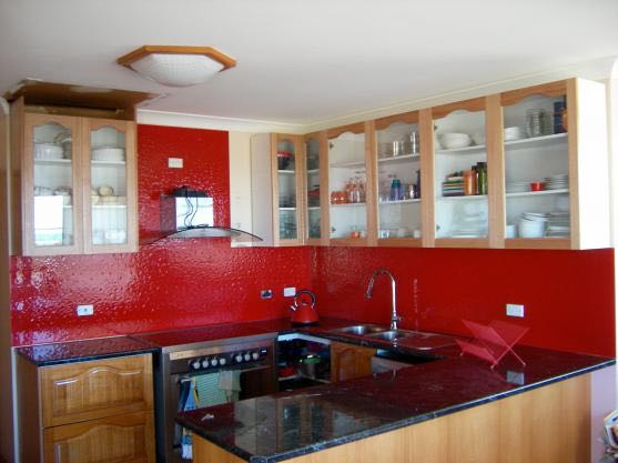 This Burnside client opted for our coloured glass splashbacks for upping the style quotient in their kitchen