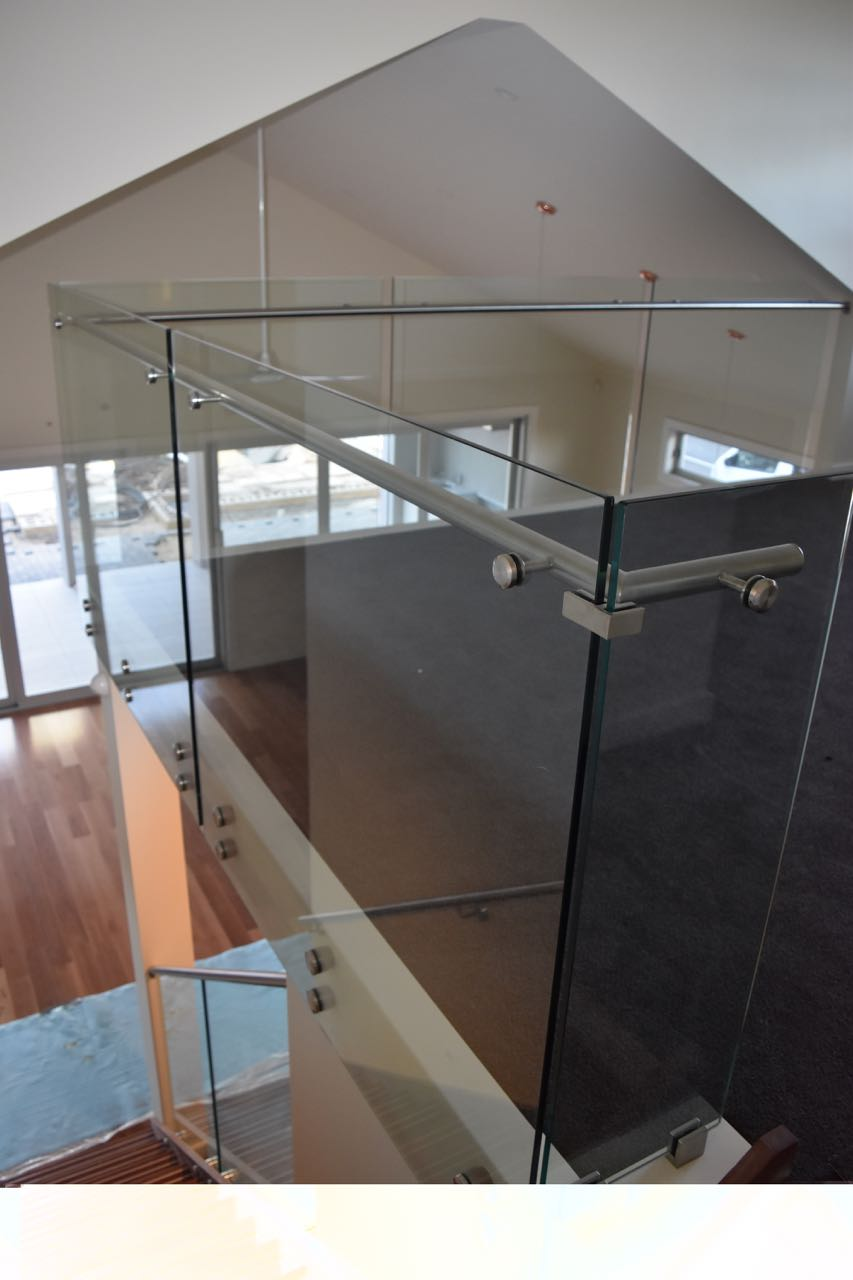 Adelaide Balustrading Guys specialize in frameless and semi frameless glass balustrades for residential staircases4